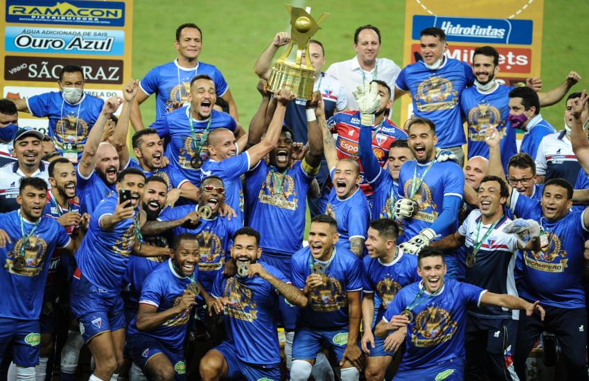 Rogério Ceni lembrou os títulos com vitórias duplas sobre o Ceará